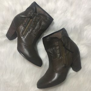 Report Ankle Boots